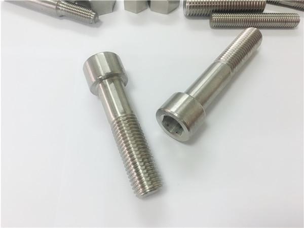șuruburi de șuruburi din aliaj 625 cu n.r 2.4856